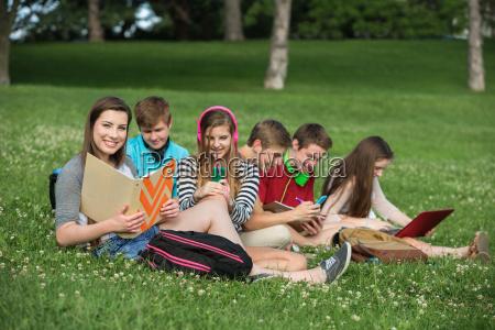 nette teens studieren