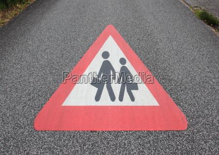 schild signal zeichen asphalt deal geschaeft