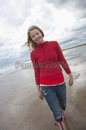 portrait of smiling teenage girl on