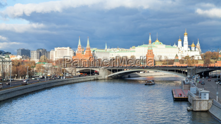 sofiyskaya damm der moskwa und kreml