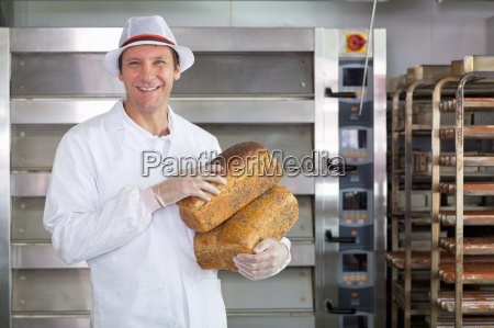 baker mit laibe brot department of
