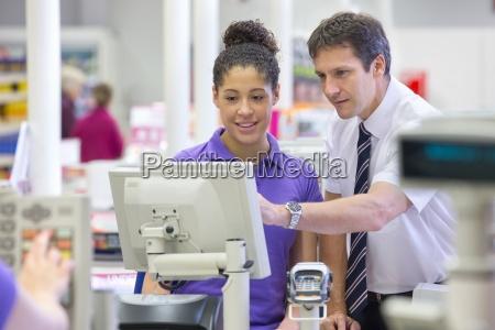 supermarkt manager ausbildung kassierer an der
