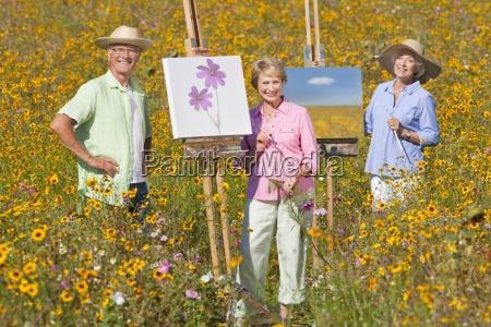 portraet der laechelnden senioren malen im