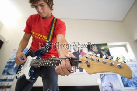 teenager 16 18 elektrische gitarre zu