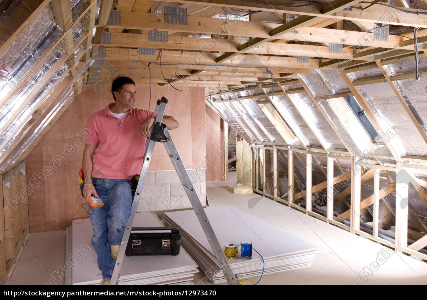 Faszinierend Dachboden Galerie Von Stockfoto 12973470 - Elektriker Schiefen Gegen Leiter