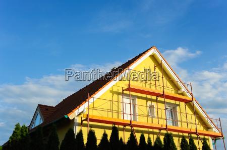 einfamilienhaus mit geruest