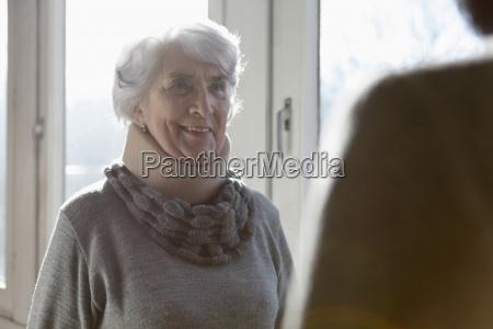 frau farbe modisch weiblich portrait portraet