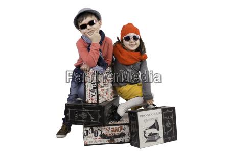 junge und maedchen auf reise