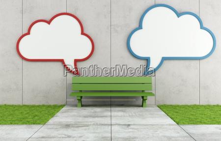 zwei leere wolke plakatwand in einer