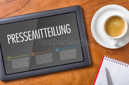 tablet auf schreibtisch pressemitteilung