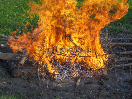 heiss brand feuer feuersbrunst grossbrand grossfeuer