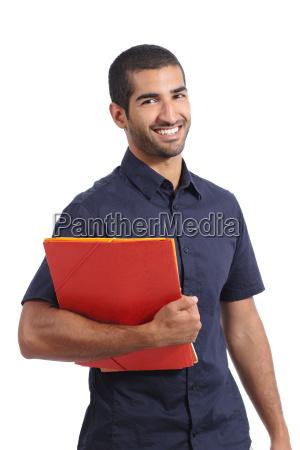 beilaeufig erwachsener arabischer mann student posiert