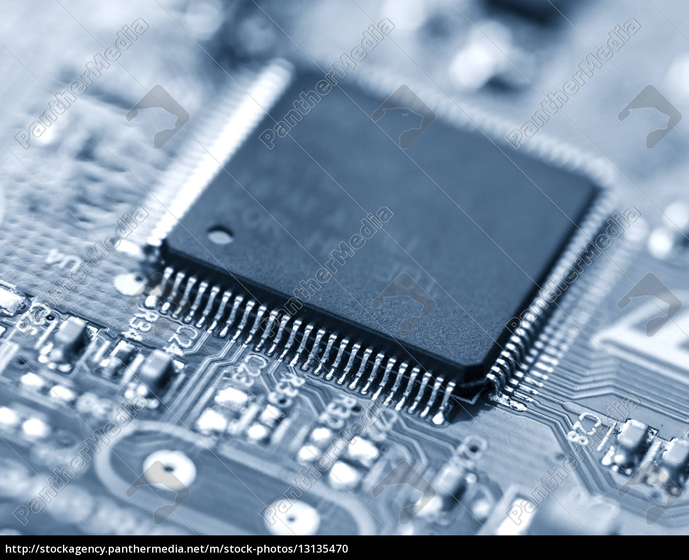 mikroprozessor - 13135470
