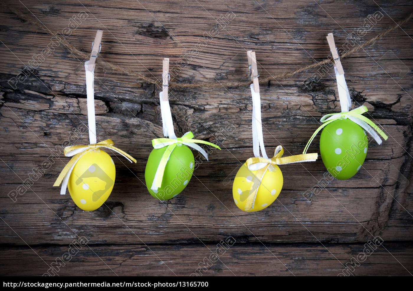 vier, grüne, und, gelbe, ostereier, mit - 13165700