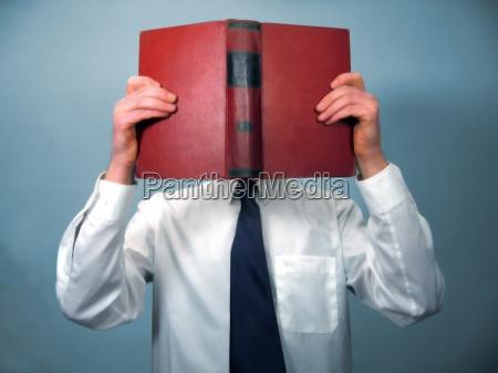 mann buch lesen studieren bildung lernen