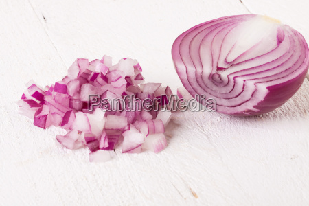 red food onion whole and in
