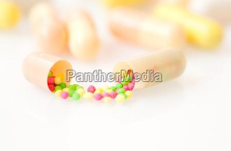 salute vitamina curare farmaci medicina trattamento