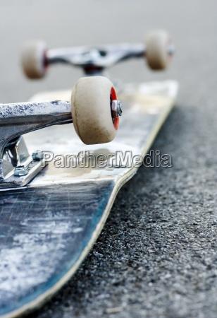 skateboard skaten liegen strasse skating coolness