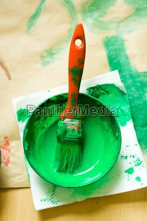 farbe pinsel malen gruen anmalen zeichnen