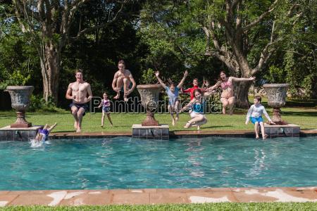 ninyas ninyos piscina