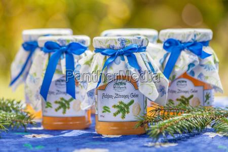 spruce lemons jelly
