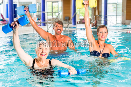 group makes water aerobics aquarobics