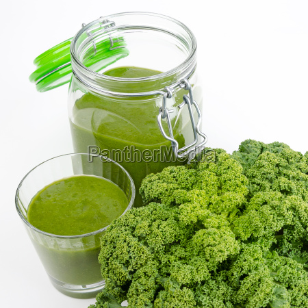 green smoothie with fresh kale