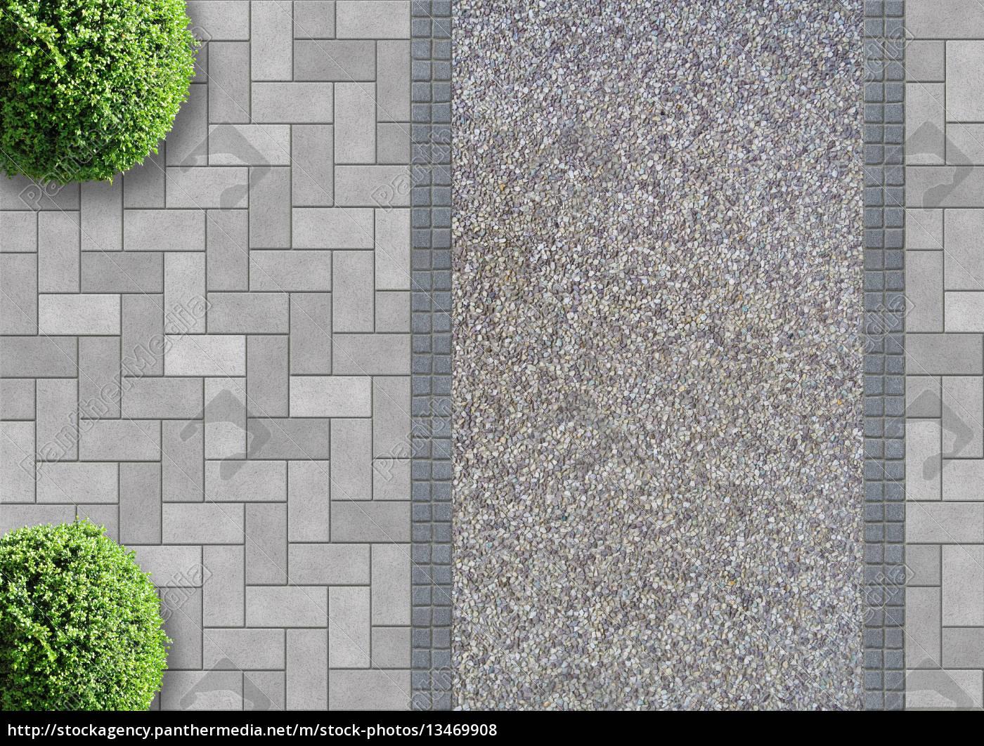pflastersteine mit kiesweg und buchsbäumen von oben - lizenzfreies