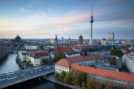 katedra berlin wieza telewizyjna spree