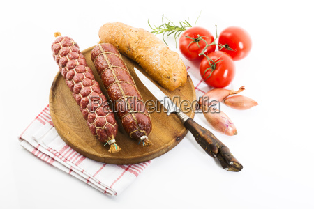 brettljause metzgersalami bauernsalami tomaten chiabatta