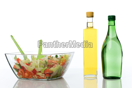mixed salad with oil and vinegar