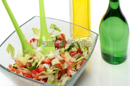 mixed salad with vinegar and oil