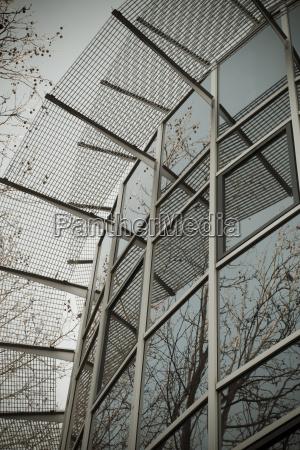 glas und stahlkonstruktion moderne architektur aok