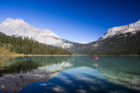 emerald lake yoho national park british