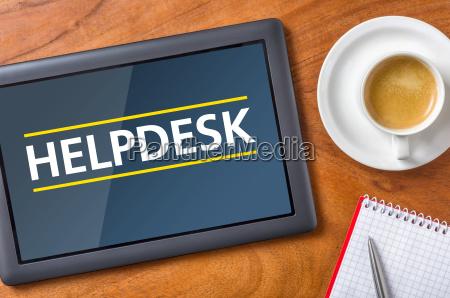 tablet auf schreibtisch helpdesk