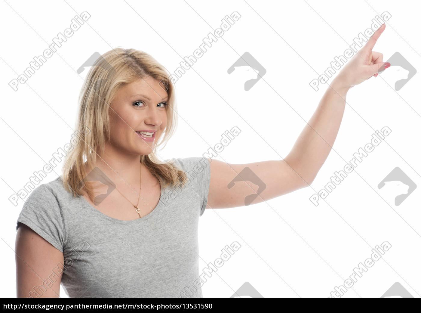 junge, blonde, frau, im, t-shirt, zeigt - 13531590