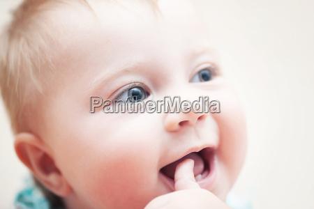 niedliches babyportraet
