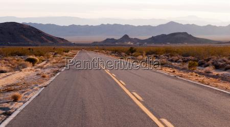 kelbaker road naehert sich needles freeway