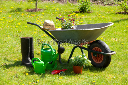garden tools garden wheelbarrow straw hat
