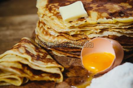 russische traditionelle pfannkuchen blini