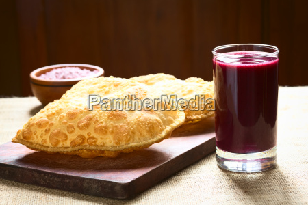 pastel a bolivian snack with api