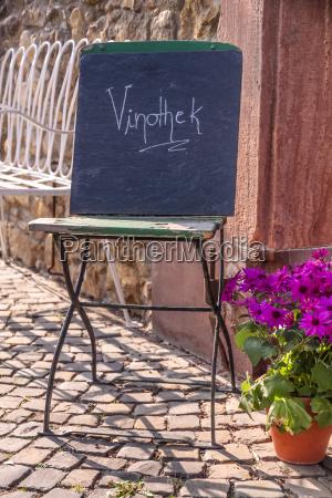 sign wine shop