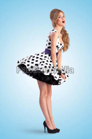 pinup in dots
