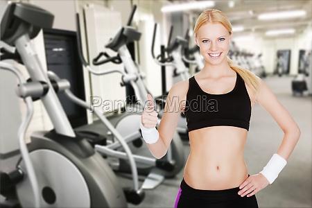 schoene junge frau fitness