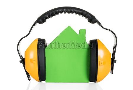 green house modell mit kopfhoerer