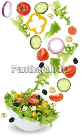 gesund vegetarisch essen salat mit tomate