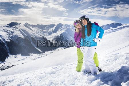 ski menschen auf winter berg alpine