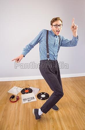 geeky hipster tanzen vinyl