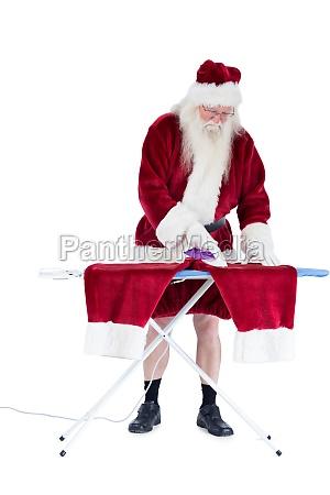 der weihnachtsmann buegelt seine hose