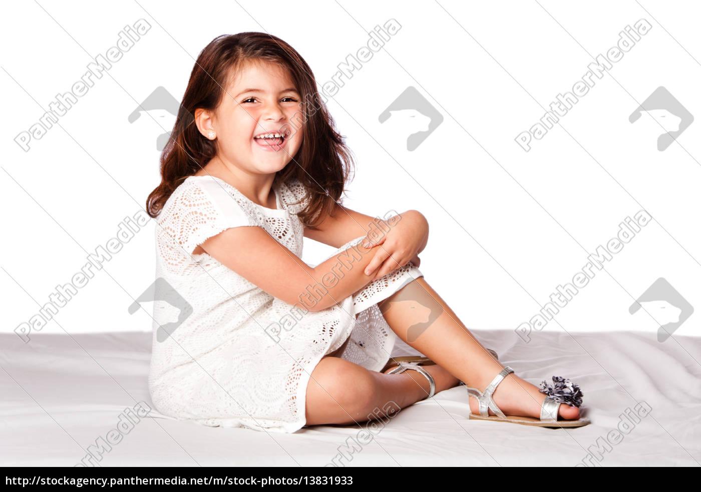 Schöne Niedliche Mädchen Sitzen Lizenzfreies Bild 13831933 Bildagentur Panthermedia